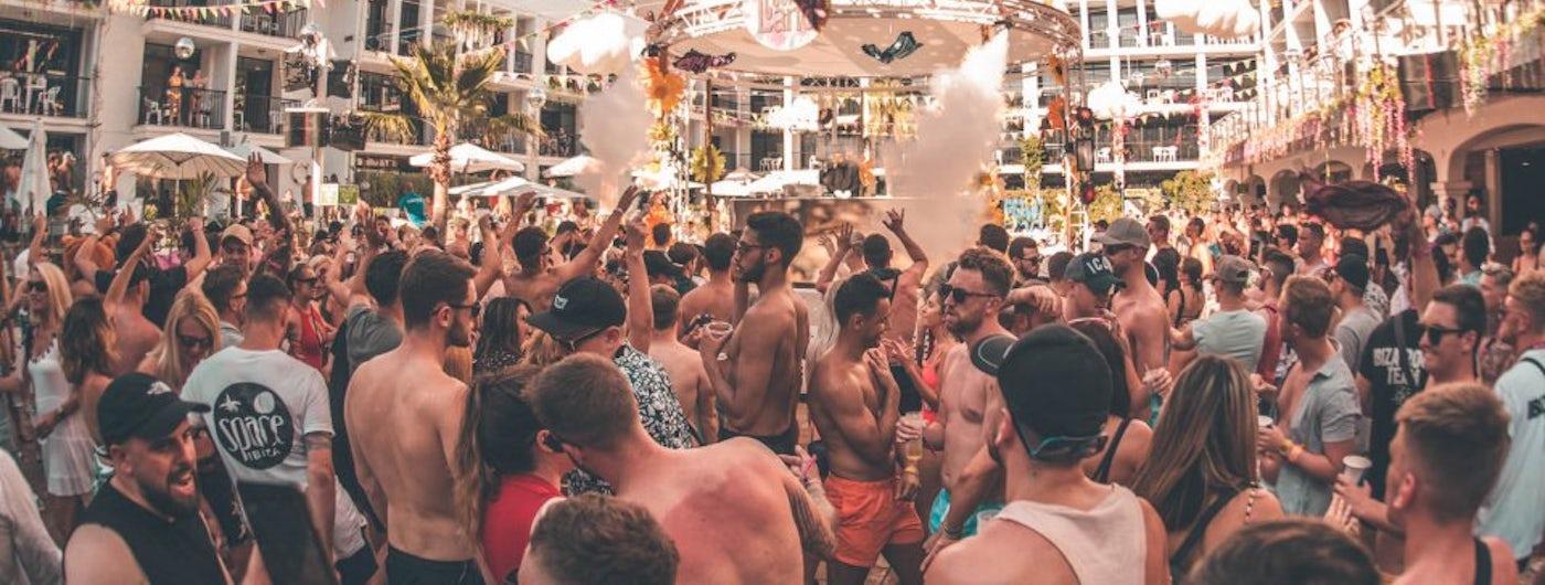 Cuckoo Land Pool Party en Ibiza Rocks Hotel